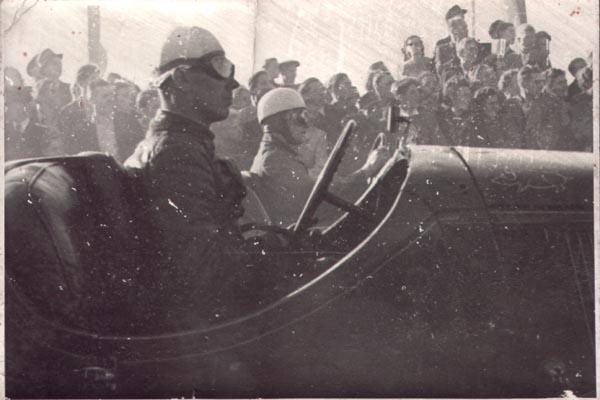 """Sachsenring 1949, """"Schwein"""" auf der Motorhaube BMW?, Sportwagenklasse"""