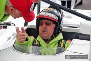 Kurt Ahrens (früherer Formel 1 und Le Mans-Fahrer) feierte seinen 75. Geburtstag mit Ehrenrunden im Porsche 908/2