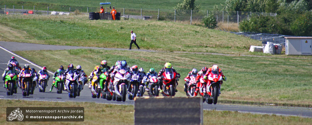 Start zum ersten Rennen der IDM-Superbike