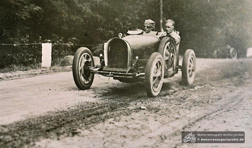 Heußer und Feldmann vor ihrem Unfall auf der Buckower Rennstrecke